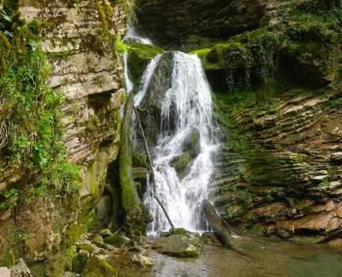 Водопад на притоке Ажека. Безымянный