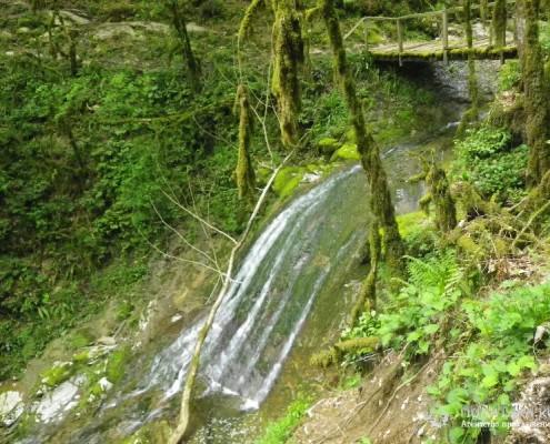 Водопадики на тропе к экопосеоению Ажек