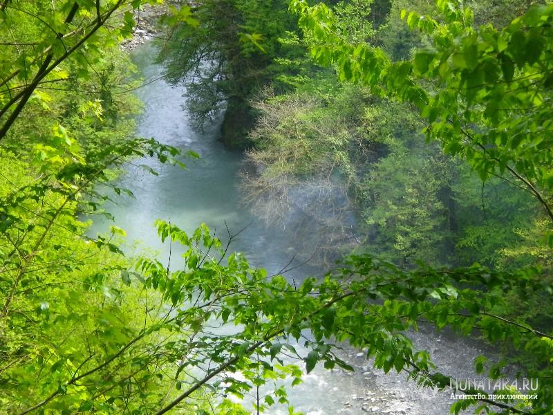 Река Сочи в тумане