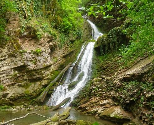 Водопад на притоке реки Ажек