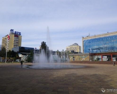Площадь около здания администрации