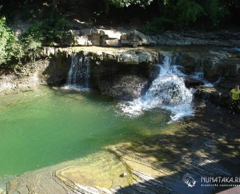 Дольмены и водопады реки Жане