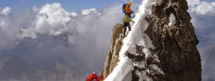 Опасности и романтика альпинизма