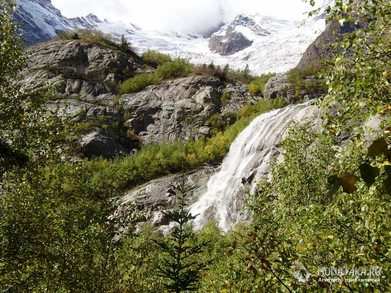 Алибекский водопад и Алибекский ледник