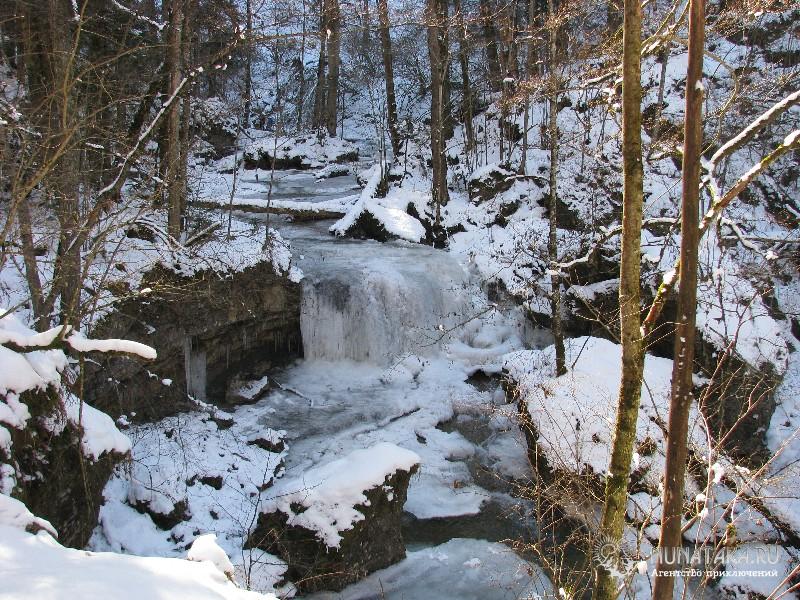 Водопад Чинарев зимой