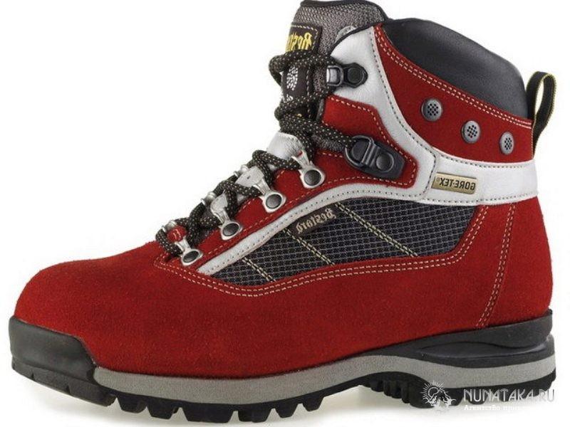 Синтетический горный ботинок
